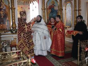 рукоположения в сан иерея иеродьякона Серафима (Карпова) - рукополагает епископ Фома (Мосолов) - Светлый Вторник 10 апреля 2018 года