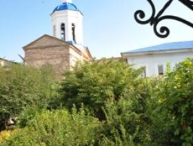 Феодоровский храм и братский корпус - лето 2015 год