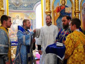 рукоположение Максима Свиридова во диакона в день явления Феодоровской иконы Божией матери - рукопологает епископ Леонтий (Козлов) - 25 июня 2020