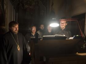 Великий Пяток 2019 год - епископ Фома (Мосолов) на братском клиросе